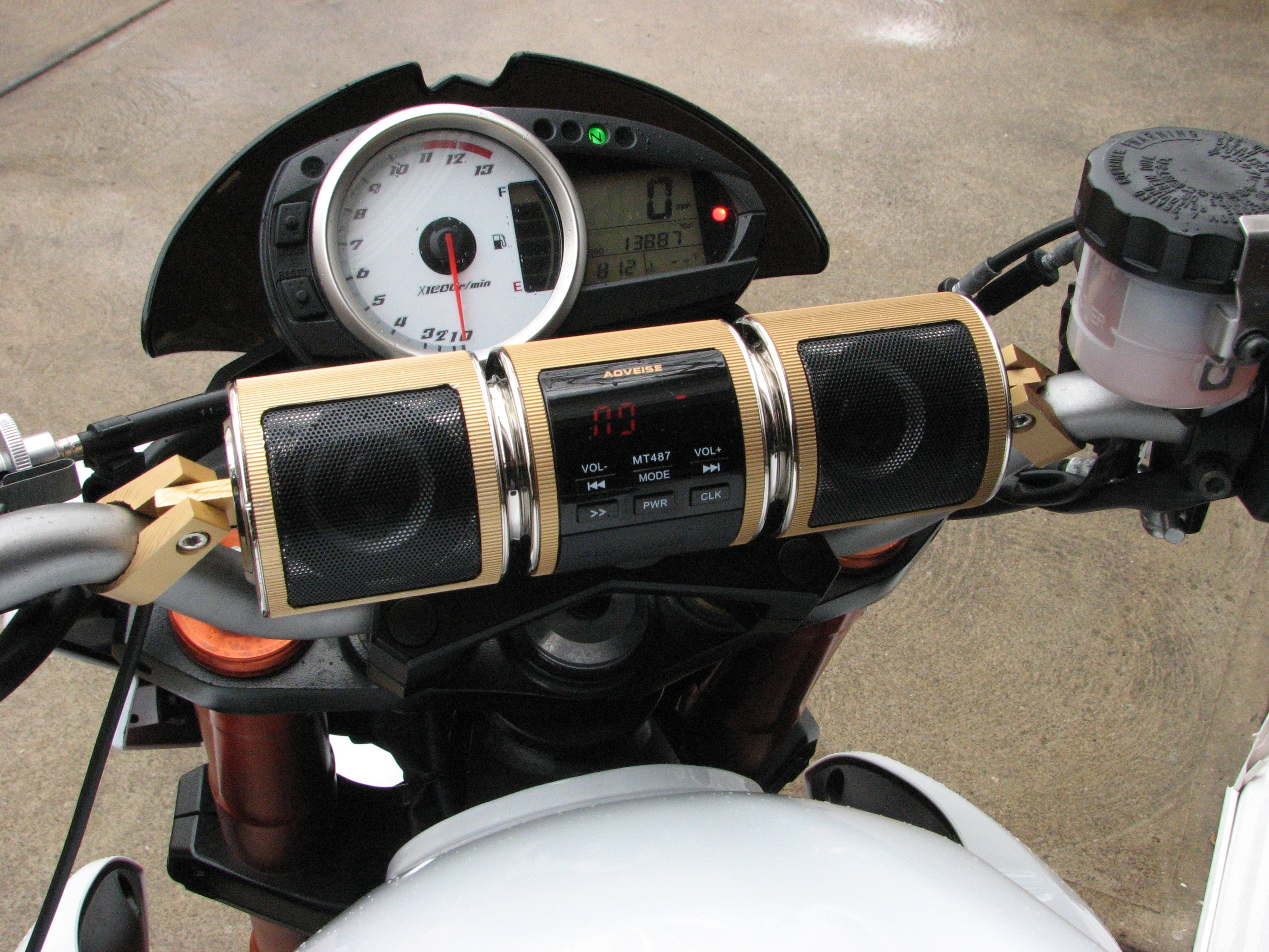 7 Best Motorcycle Radios (Must Read Reviews) For September 2019