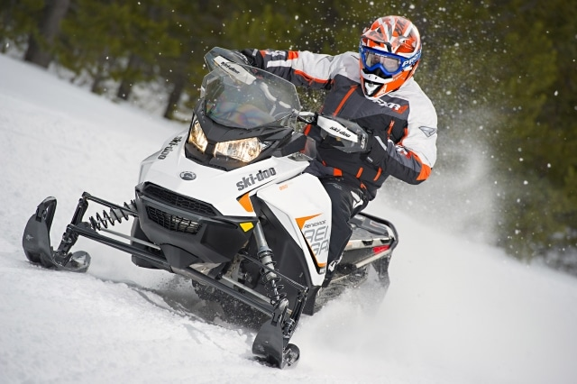 Top 3 Snowmobile 2-Stroke Oils Reviewed For August 2019